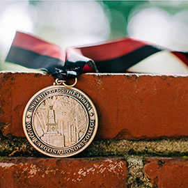 photo of medallion for the South Carolina Honors College